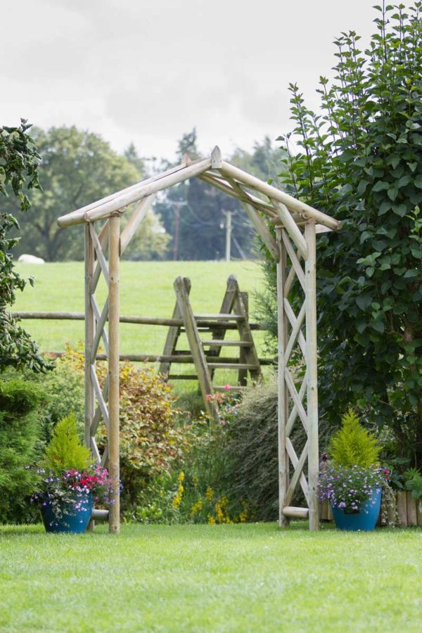 Wooden Rustic Arch